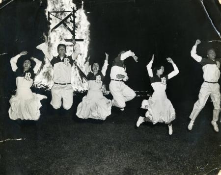 Cheerleaders at Homecoming Bonfire