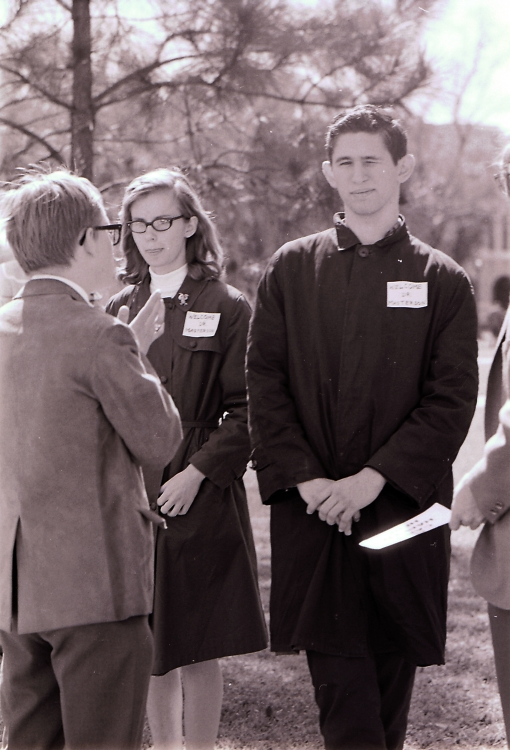 "Students during Masterson presidency controversy, wearing tags which read ""Welcome Dr. Masterson"""