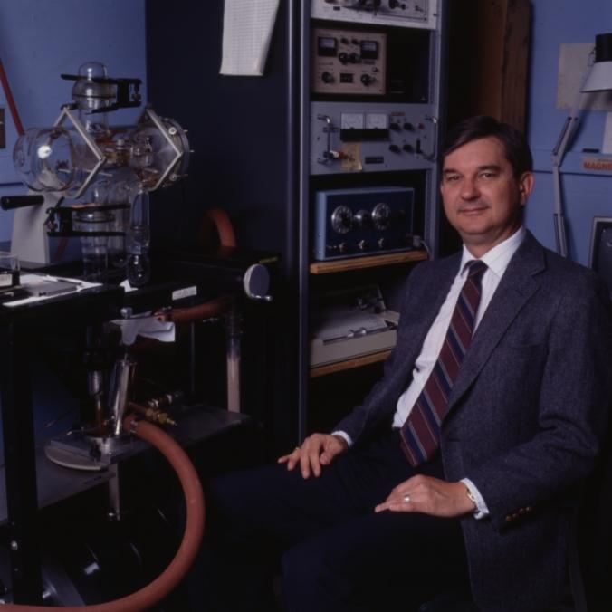 Dr. Lon Wilson, Sid Richardson College