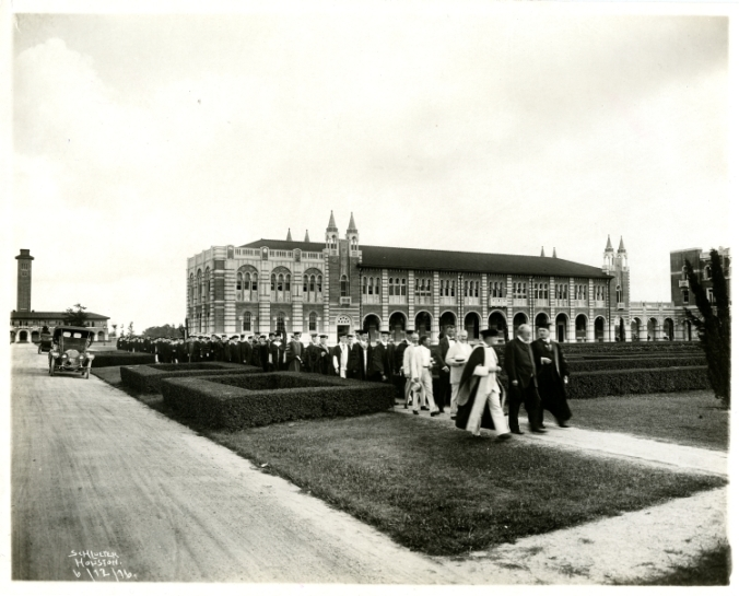 Commencement procession for first graduating class, Rice Institute, 1916