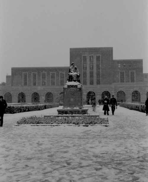 Snow on the William Marsh Rice statue, 1977