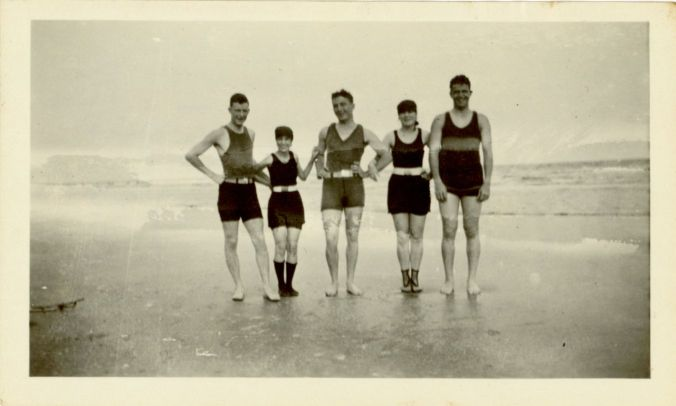 James L. Autry III, Anah Marie Leland, Van, Allie May Autry, and Punk at beach, 1921