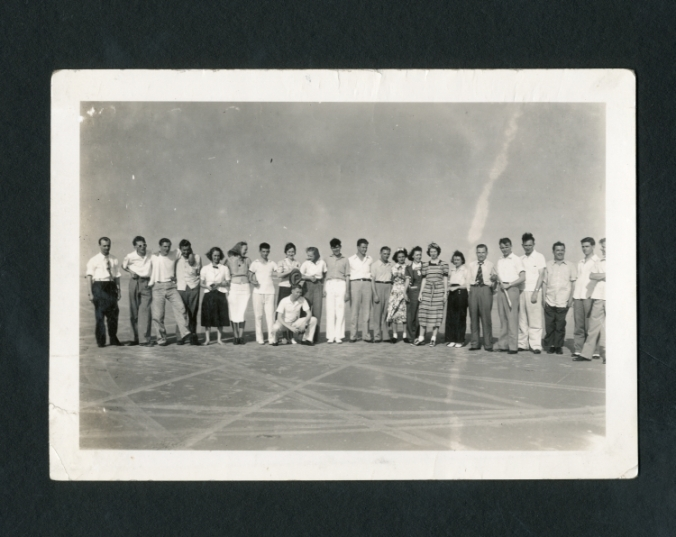 Rice Institute students gathered in Galveston, ca. 1938