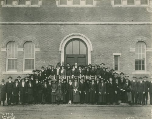 Alumni reunion group posed outside the Physics Building, 1919