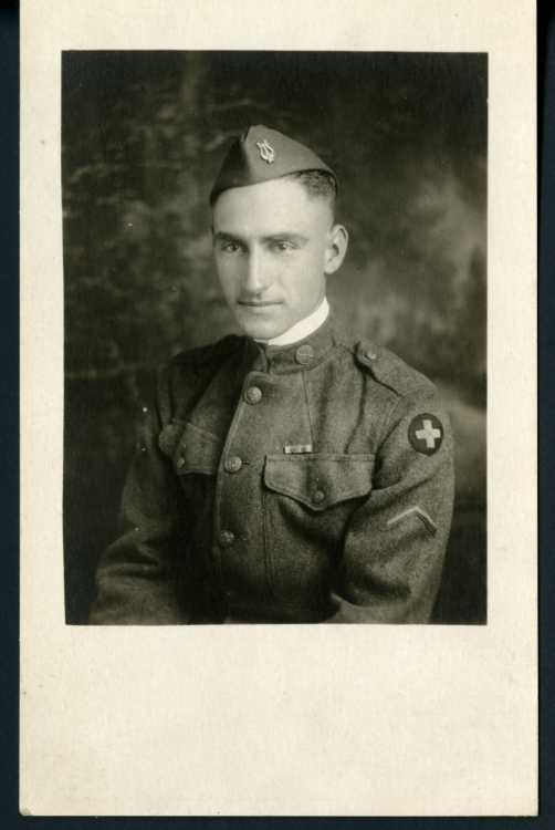 Image of Paul B. Hendrickson in uniform.